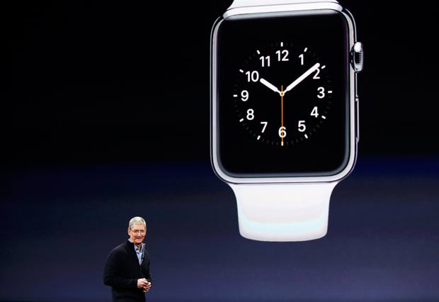 Tim Cook, CEO da Apple, fala do Apple Watch em evento nos Estados Unidos (D.R)