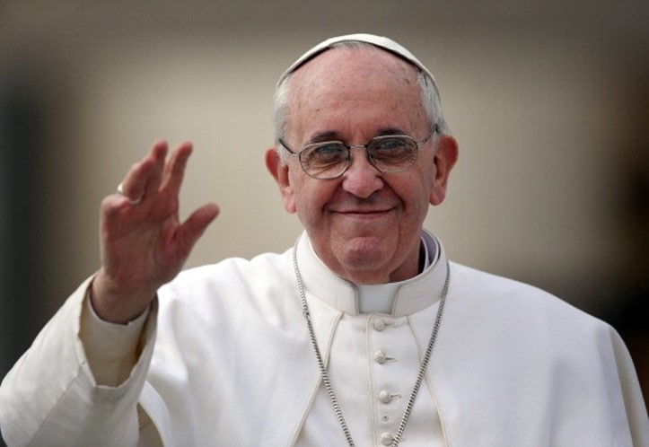 Papa Francisco chegará à base aérea de Monte Real dentro de 40 minutos