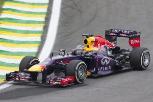 GP do Brasil: Vettel bate recorde com nono triunfo consecutivo numa época