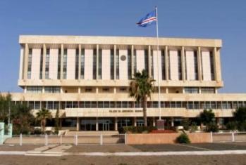 Cabo Verde: OE para 2014 aprovado na generalidade com votos contra da oposição