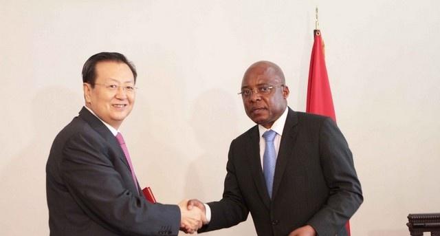 Angola e China assinam troca de nota para construção da nova embaixada