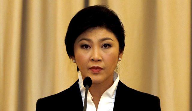 Tailândia: Primeira-ministra quer submeter sua demissão a referendo