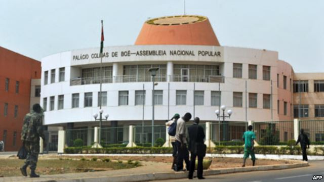 Guiné-Bissau: Política interna não melhorou, política externa frágil com questão síria