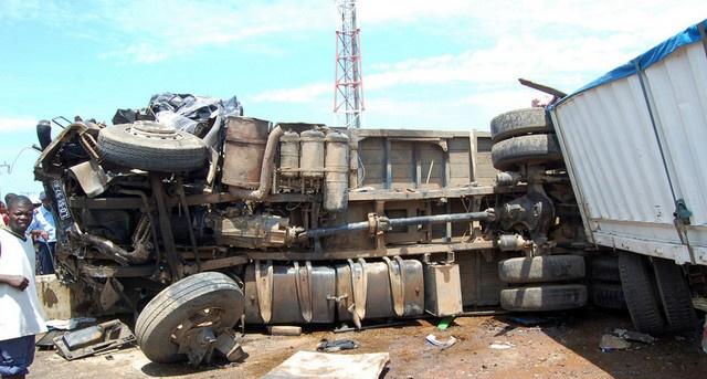 Acidentes causam morte de duas pessoas em estradas de Luanda