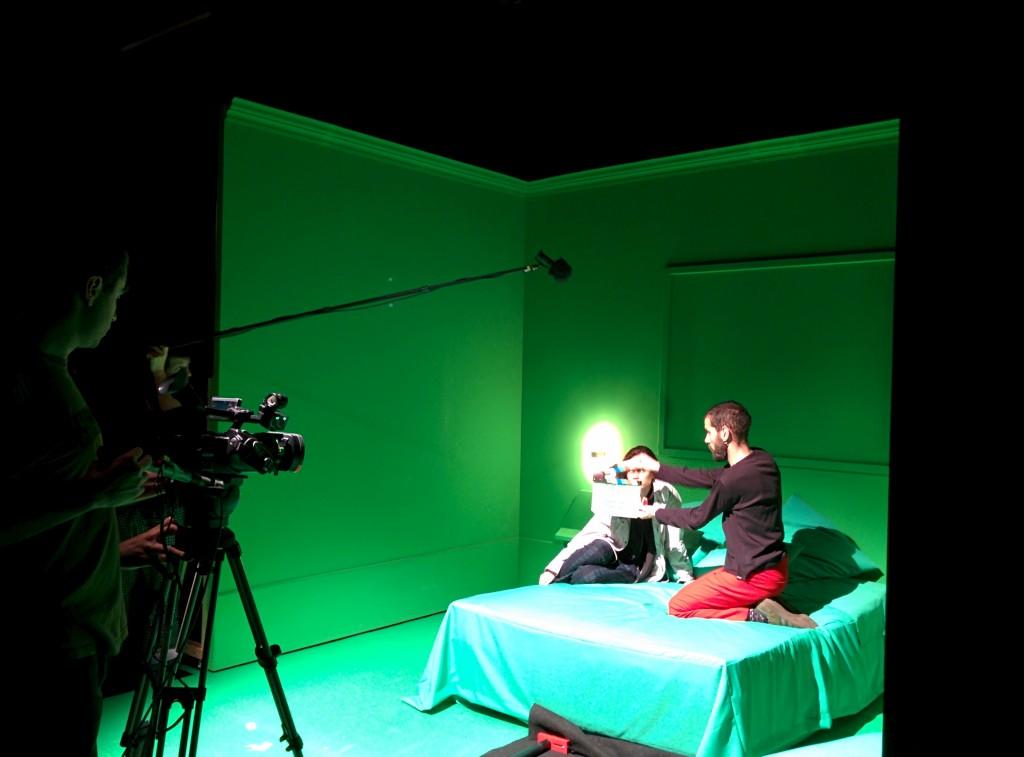 Teatro nos intervalos do cinema (e vice-versa): André Godinho e o Cão Solteiro apresentam Day for Night