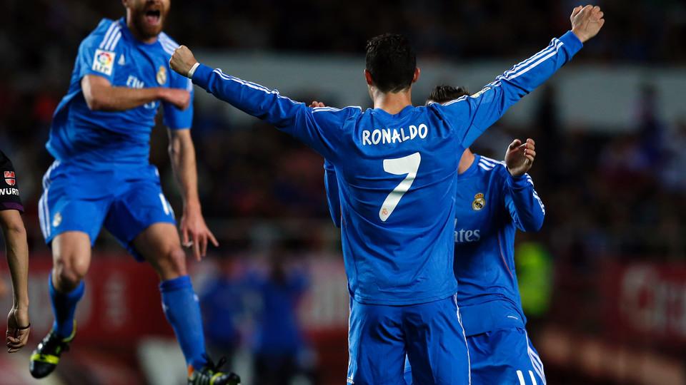 Ronaldo vendeu mais camisolas em 2013 do que todo o plantel do Bayern