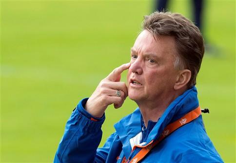 Louis van Gaal é o novo treinador do Manchester United
