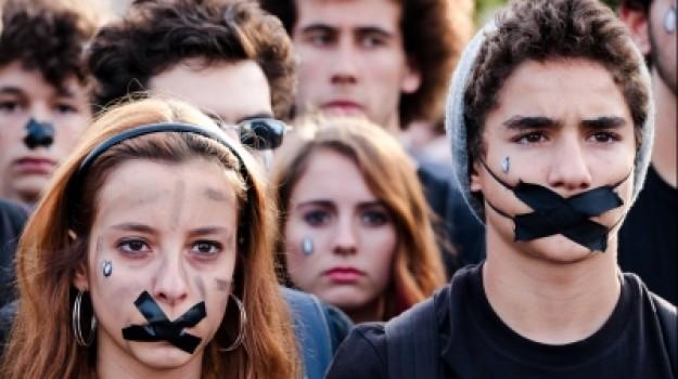 """Movimento """"Que se lixe a troika"""" classifica de """"farsa"""" a saída da troika de Portugal"""