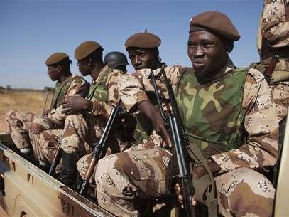 Mali: Atentado mata quatro militares malianos
