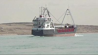 """Sissi lança """"novo canal do Suez"""""""