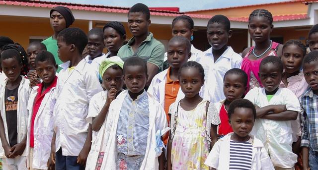 Moxico: Mais de 600 alunos beneficiam de merenda escolar no Chiúme