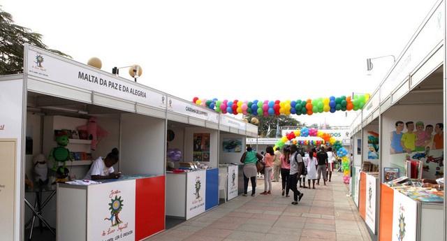 Cento e quarenta mil livros disponíveis para o Jardim do Livro Infantil 2015