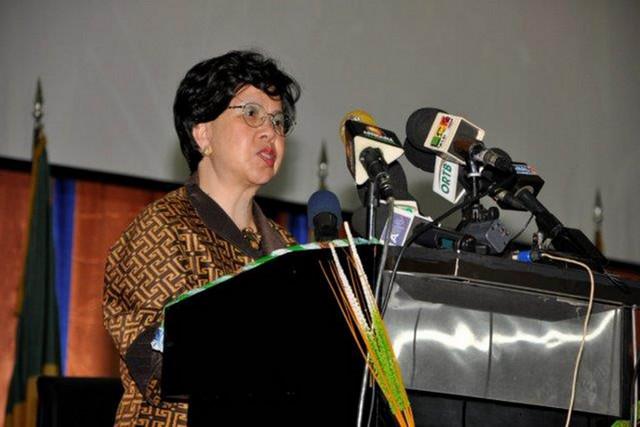 África: OMS anuncia resultados promissores das vacinas contra Ébola