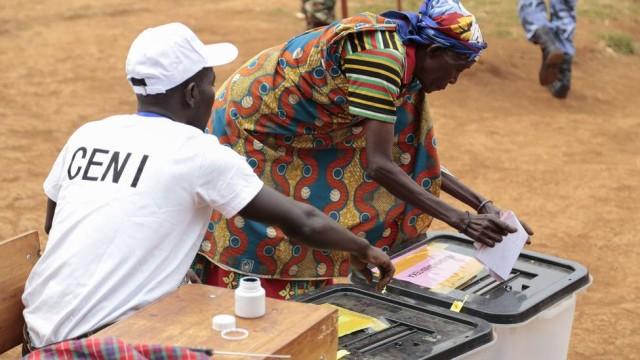 Eleições no Burundi marcadas pela polémica (Vídeo)