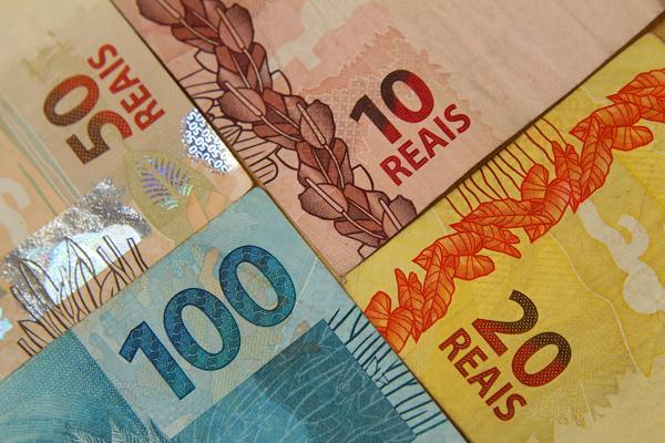 Brasil: Pela 15ª semana seguida, economistas elevam previsão para a inflação deste ano, a 9,23%