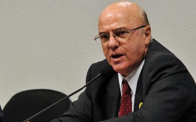 Advogado de almirante diz estar se inteirando sobre motivos da prisão