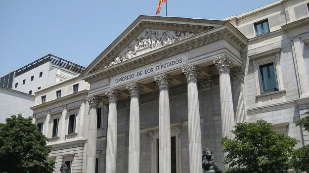 Parlamento espanhol poderá investigar vendas à polícia angolana