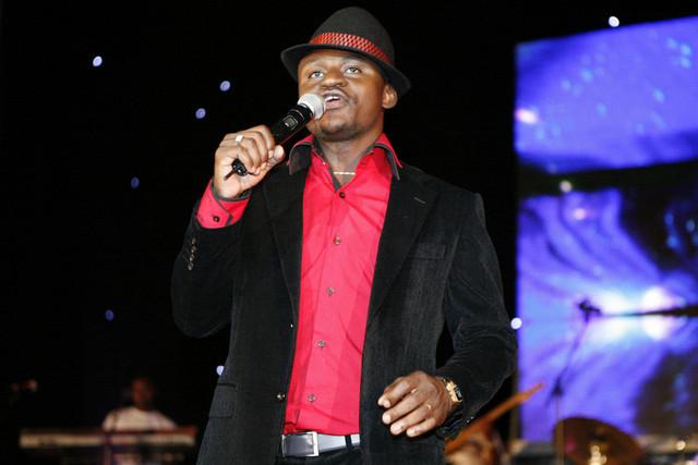 Matias Damásio realiza show em Benguela