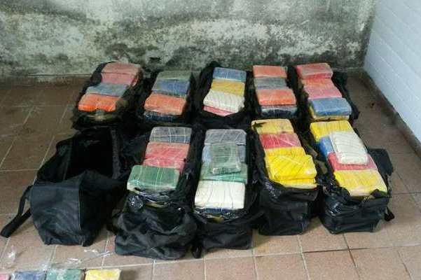 279 kg de cocaína que iriam para a Holanda são apreendidos em Guarujá