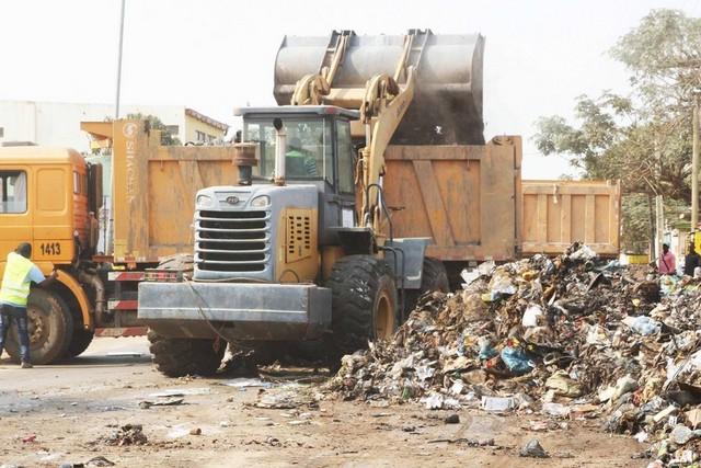 Mais de seis mil toneladas de lixo foram recolhidos no município de Cacuaco