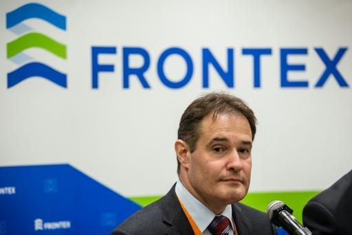 Frontex denuncia tráfico de passaportes sírios falsificados para entrar na UE