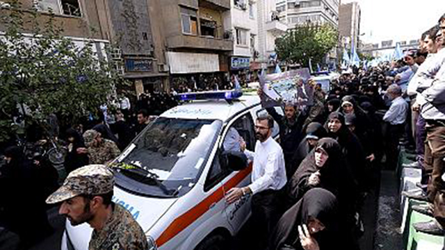 Irão enterra vítimas de acidente em Meca sob ameaças de represálias