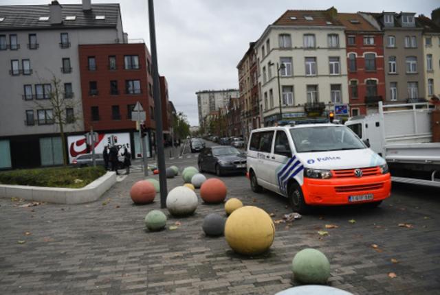 Bélgica diz que dois franceses que residiram em Bruxelas participaram de ataques em Paris