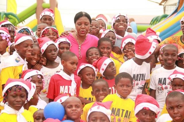 Huíla: Casinos de Angola oferecem festa de natal a crianças da Aldeia SOS