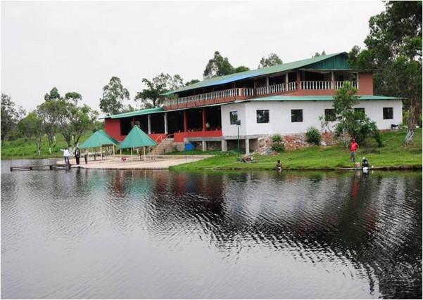 Muitos empreendimentos turísticos do país têm estruturas precárias