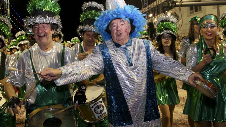 Madeira: Cortejo de Carnaval atraiu milhares de pessoas ao Funchal