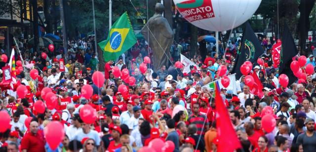 Manifestações voltam às ruas contra o impeachment de Dilma (vídeo)