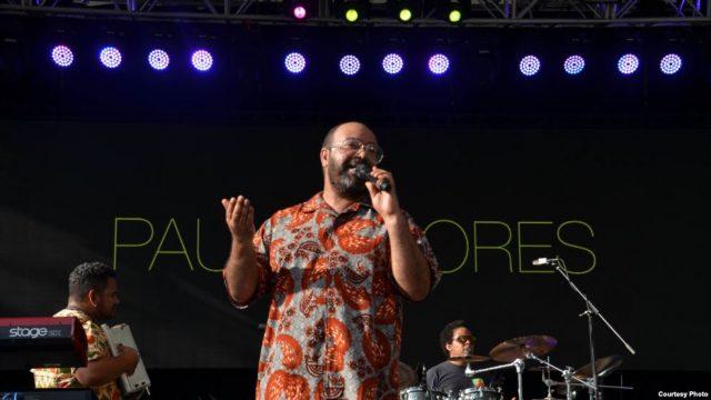 """Nova-Iorquinos provam o""""bolo de aniversário"""" de Paulo Flores"""