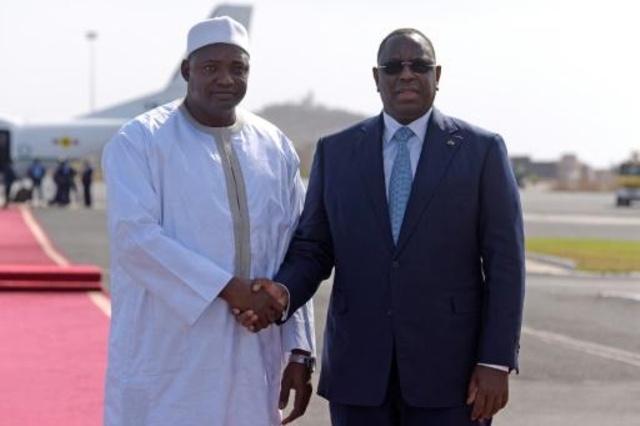 O pior já passou', diz presidente Barrow de volta à Gâmbia