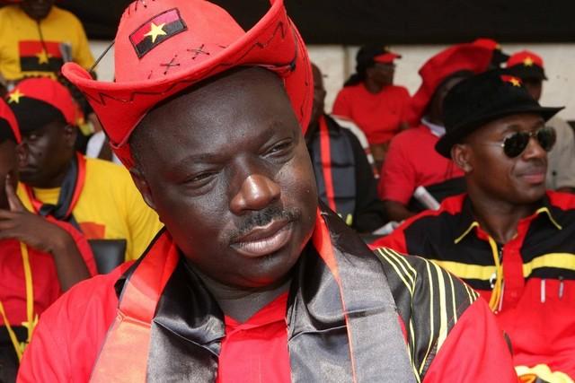 "Bento ""Kangamba"" destaca dignidade conferida às famílias do Zango"