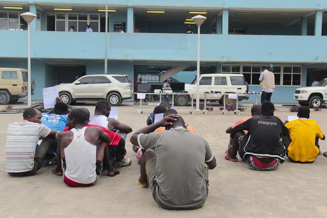 Detidos 13 cidadãos por suposto envolvimento em crimes