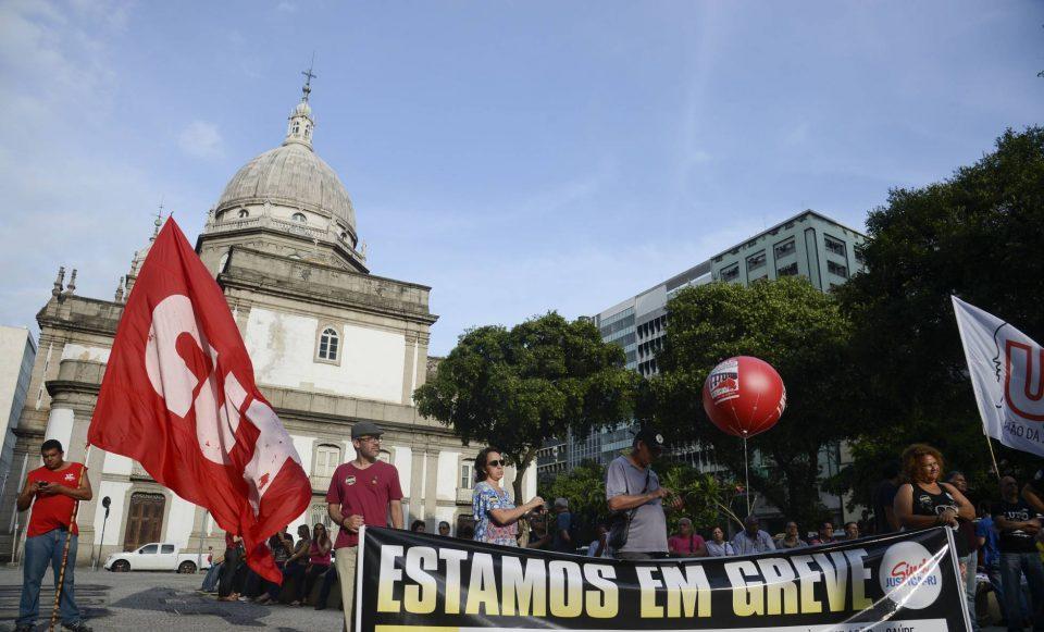 Fim do imposto sindical: faxina em sindicatos de fachada ou negociações fragilizadas?