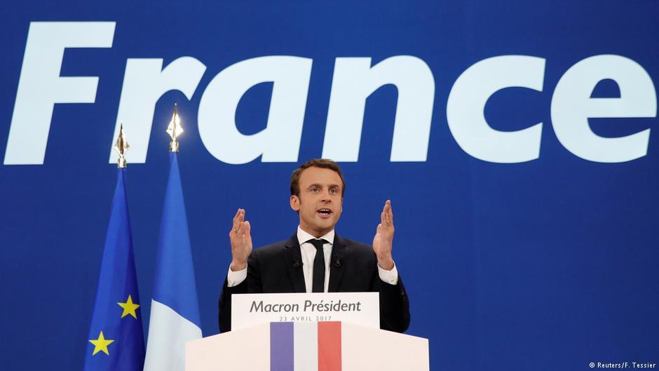Establishment político francês declara apoio a Emmanuel Macron