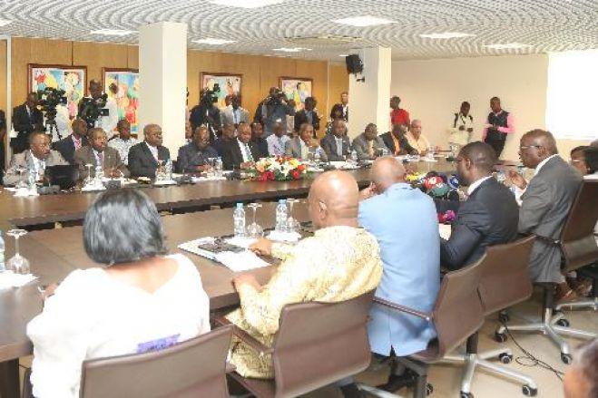 CNE deve corrigir os erros para bem do processo eleitoral