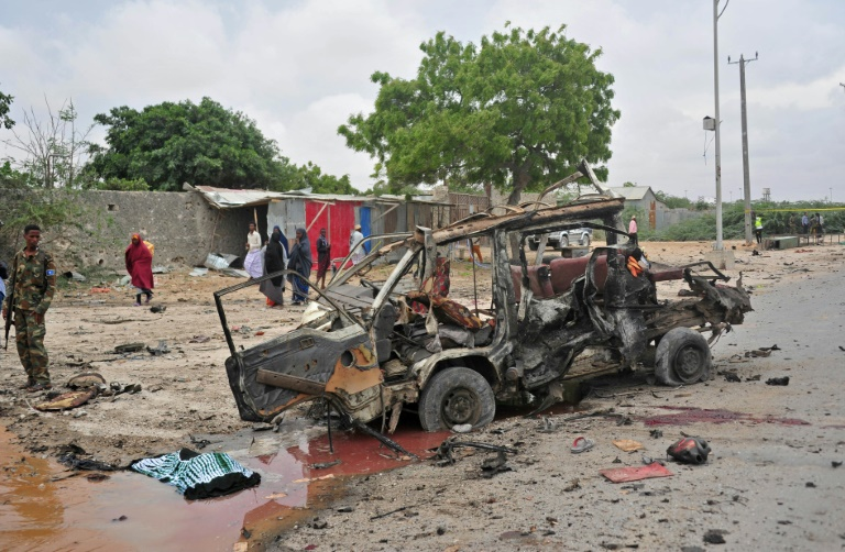 Ataque com carro-bomba a restaurante na Somália deixa seis mortos