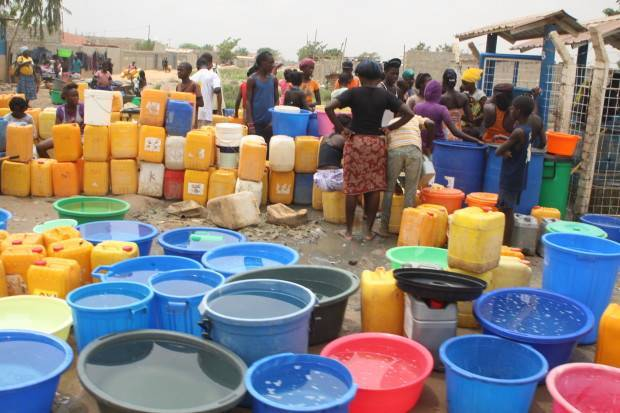 Angola tem o menor acesso a água potável entre os países lusófonos.
