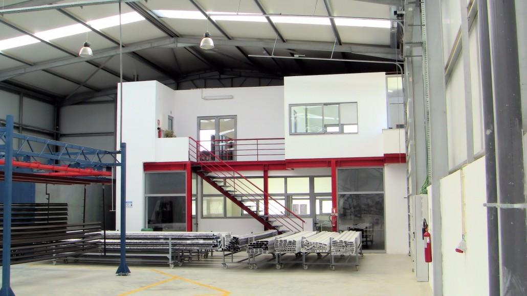 Falta de matéria-prima e divisas encerram  mais de 20 fábricas no Pólo Industrial da Catumbela