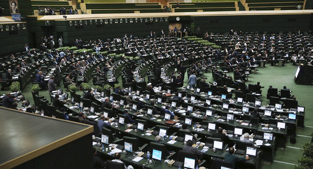 Irão aprova projecto-lei contra 'terrorismo americano'
