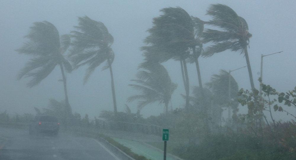 O furacão Maria aumenta para a categoria 4 e se torna 'extremamente perigoso'