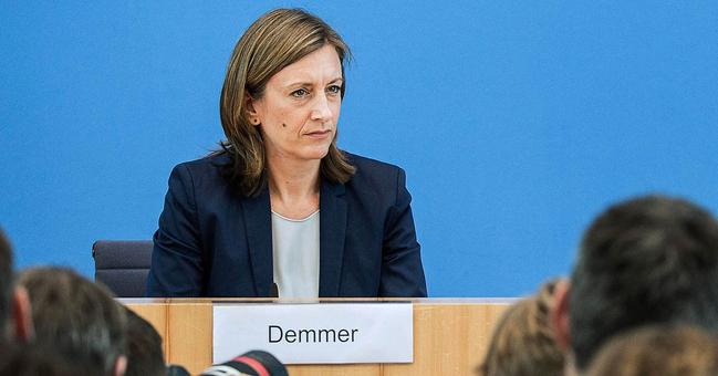 """Catalunha: Alemanha rejeita mediação. É """"assunto interno"""" de Espanha"""
