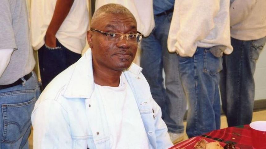 Homem condenado erradamente à prisão, libertado quase 50 anos depois