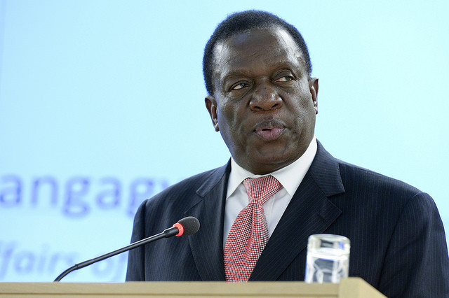 Partido no poder indica Mnangagwa para presidenciais no Zimbabwe
