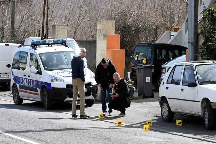Resultado de imagem para Atacante que se barricou em supermercado foi abatido pela polícia