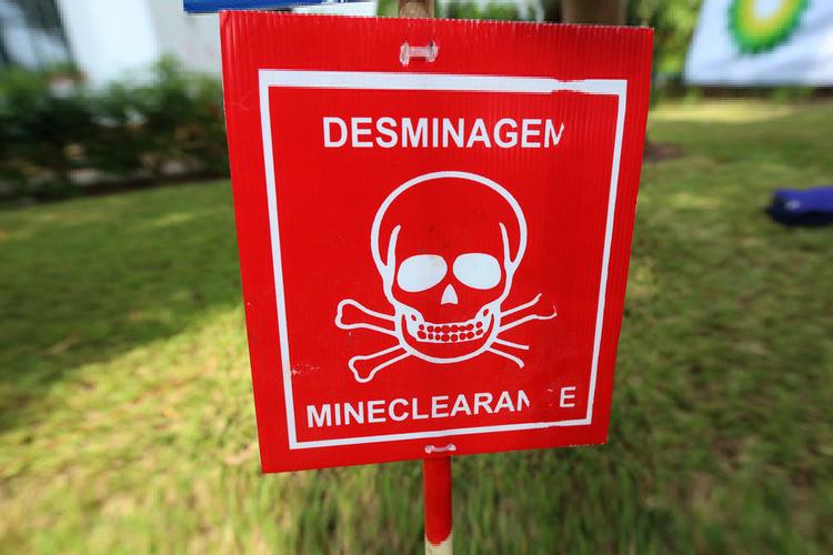 Brigada de desminagem desactiva mais de 600 minas em Camacupa