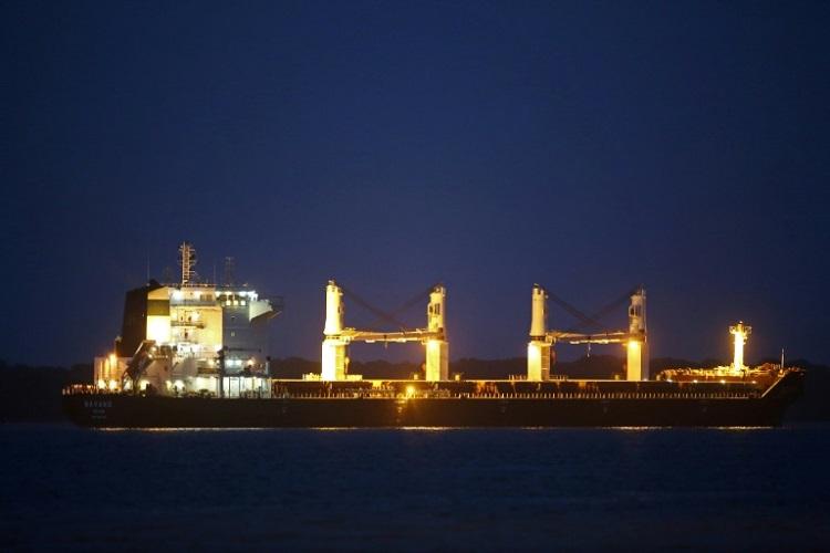 Problema técnico atrasa saída de navio iraniano do porto de Paranaguá